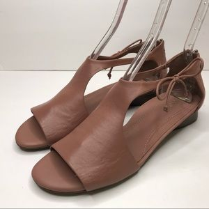 Nurture Leather Zip Back Sandal Size 10 GRENATA